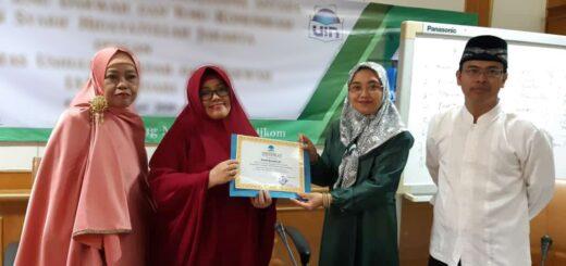 Umi Kulsum mengisi pengajian ASN FIDIKOM UIN Jakarta