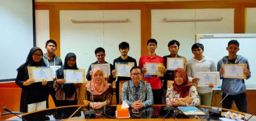 Mahasiswa Berprestasi FIDIKOM UIN Jakarta